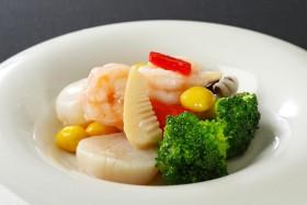 3種海鮮と季節野菜の塩炒め
